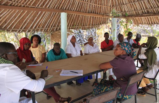 Réunion de coordination du docteur Ndiaye Mamadou et son équipe à la maison médicale de Wassadou