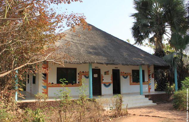 Maison médicale de Wassadou - la pharmacie et médecine générale