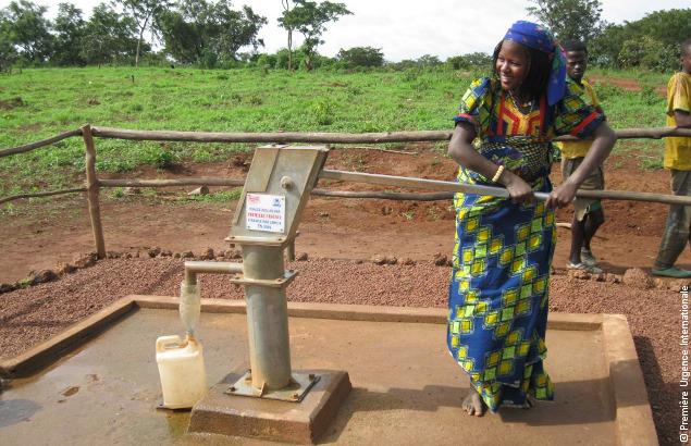 Il est essentiel d'avoir accès à de l'eau et à une eau propre à la consommation