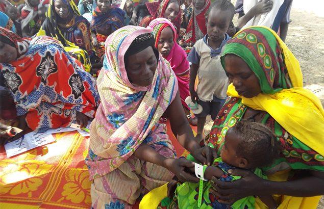 Mamans PB pour dépister la malnutrition des enfants avec Première Urgence Internationale