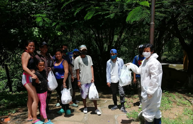 Distribution de repas auprès des réfugiés et migrants vénézuéliens en Colombie