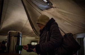 © Sadak Souici | At Mayorsk check point