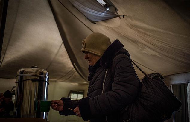 © Sadak Souici   Ukraine conflict: At Mayorsk check point