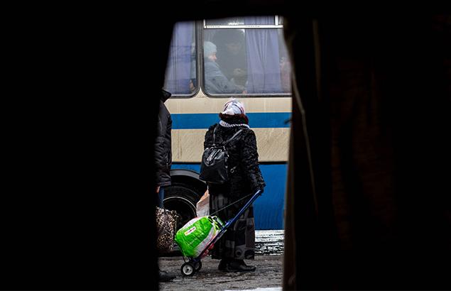 © Sadak Souici | Au poste de contrôle de Mayorsk où Première Urgence Internationale intervient en santé