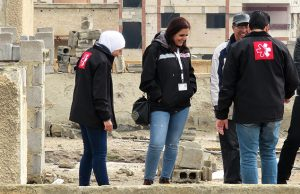 ©Première Urgence Internationale   Ahed Al Ezzo durant une visite terrain