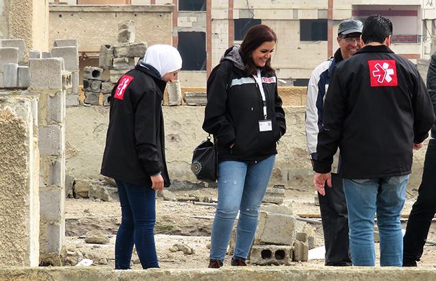 ©Première Urgence Internationale | Ahed Al Ezzo durant une visite terrain
