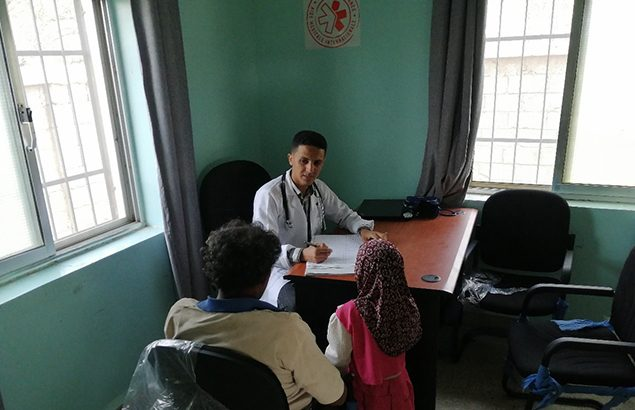 ©Première Urgence Internationale | Medical consultation by a doctor of the NGO